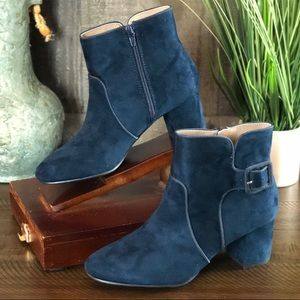 White Mountain Navy Calisi Ankle Booties 8.5M